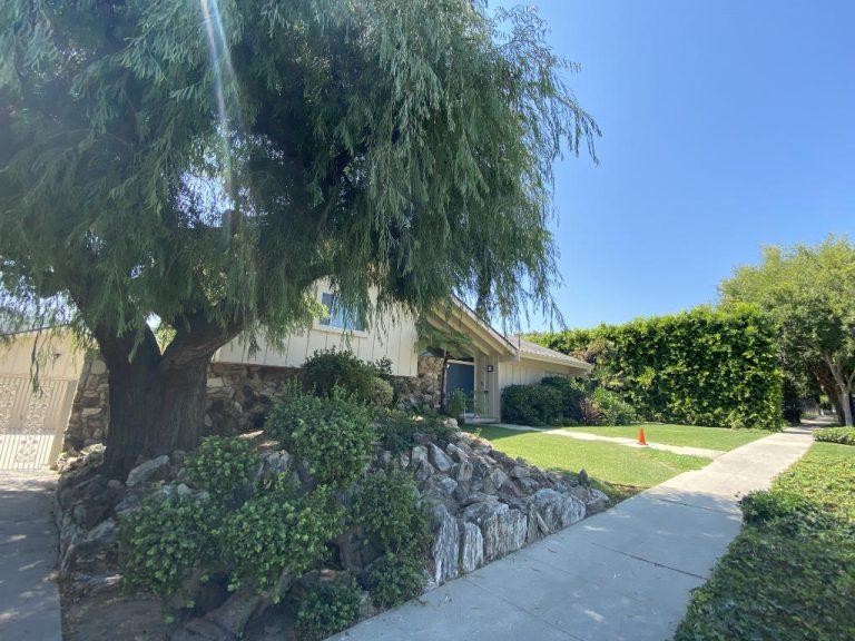 Approaching the Brady House