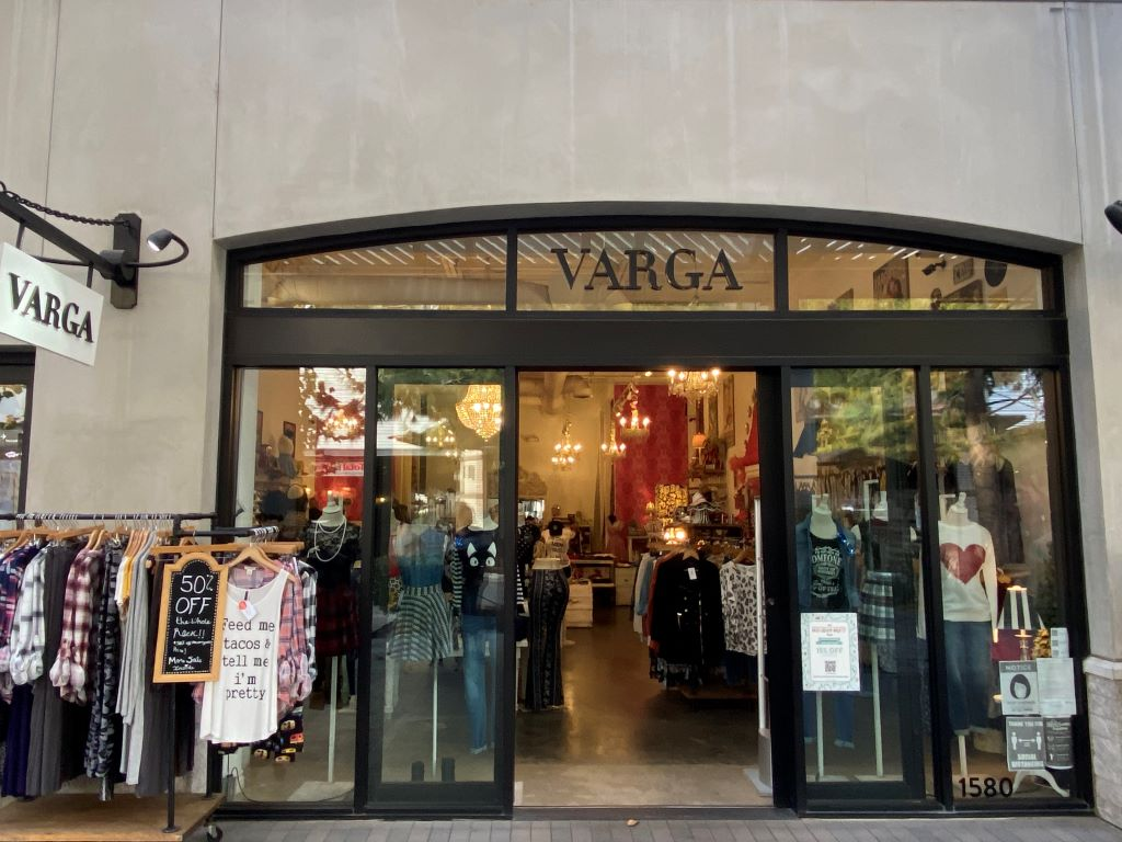 varga store outside view