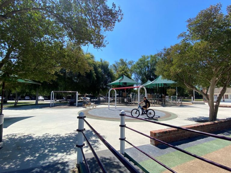 Shadow Ranch Pak playground